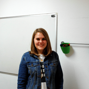 Mary Wesley Who takes a TEFL course