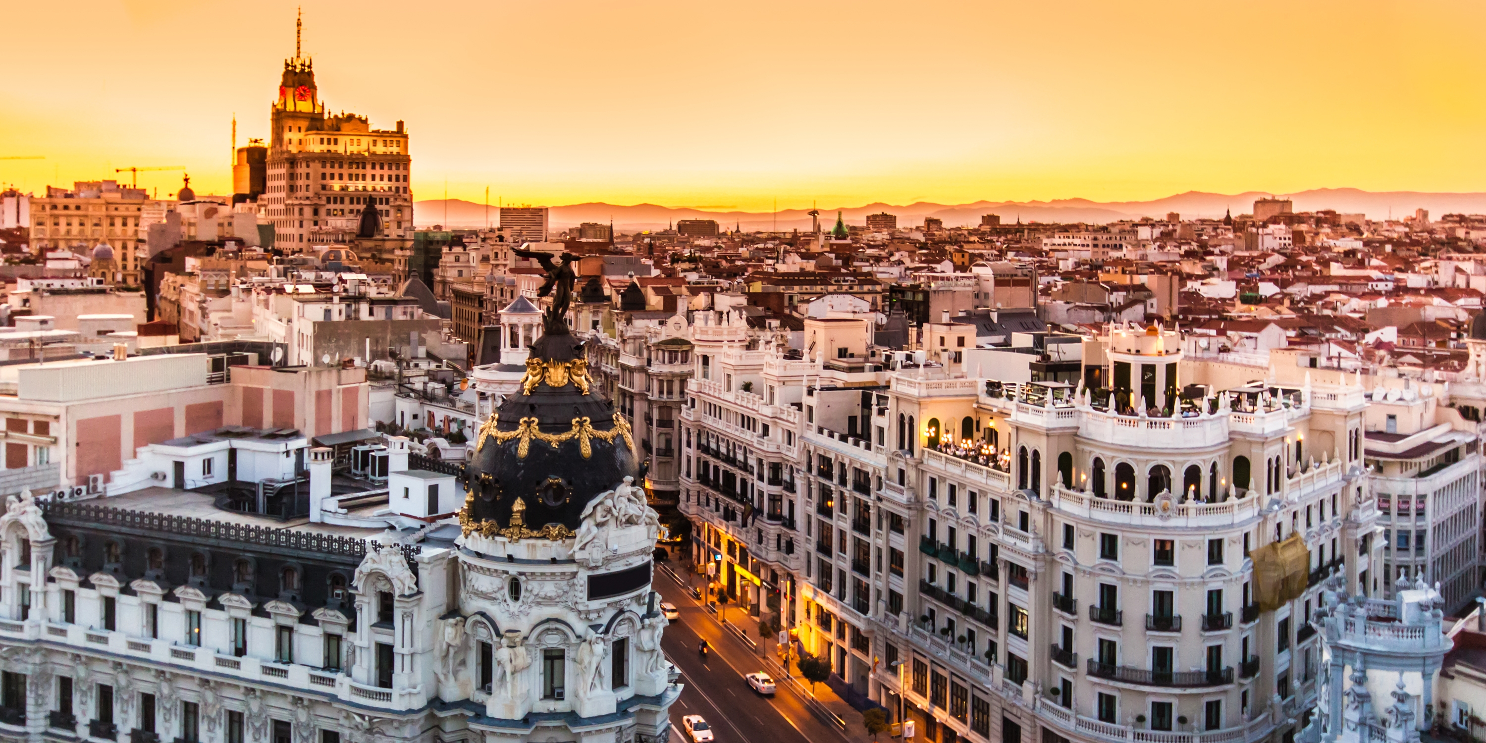the complete guide to living and working in spain